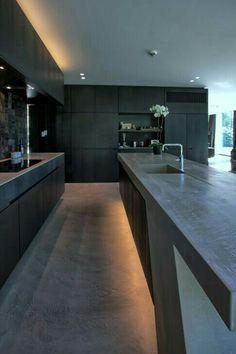 10 Must-Haves para uma cozinha de luxo Rustic Kitchen Design, Design Your Kitchen, Kitchen Cabinet Design, Interior Design Kitchen, Black Kitchens, Cool Kitchens, Kitchen Black, Farmhouse Kitchens, Modern Farmhouse