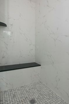1000 images about bathrooms on pinterest carrara tile for Color marmol carrara