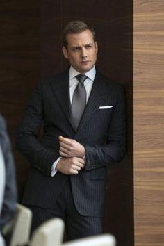 """""""No tengo sueños, tengo metas""""  Harvey Specter. La serie SUITS no pasará a  los anales de la televisión por su excelencia. Sin embargo, ver unos  cuantos ... 0e17538a163f"""