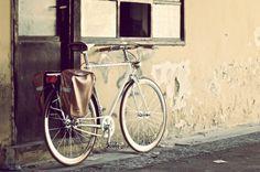 #fixed #singlespeed #bike #bikelove #ubahnfixed #brooks #manubrio #condorino #sella #borse #profilo #cerchi #vintage #photo #fanale #bicicletta #frattamaggiore #parafanghi #bikeshop