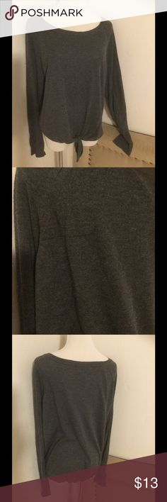 "Gray tie front sweater Size large juniors Color gray has a tiny snag in back of sweater see picture Smoke pet free home Length 24"" Soft material 40% viscose 30% nylon 25% polyester 5% cashmere Splendid Sweaters Crew & Scoop Necks"