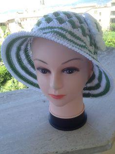 Cappelli in Cotone lavorati a mano anche per Bambine, by Maura Creazioni, 30,00 € su misshobby.com