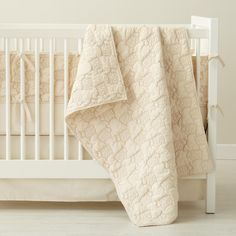 organic crib bedding from land of nod - oh my goodness those quilted sheep!
