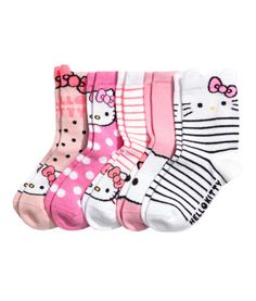 Hello Kitty/pink. Fine-knit socks in various colors and designs.