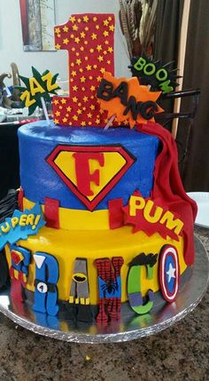 Pastel de superheroes