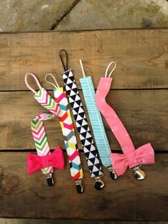 10 Hip Pacifier Clips For Baby