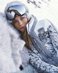True Mountain Style from Austria by Sportalm, Frauenschuh, & Toni Sailer Winter Mode Outfits, Winter Fashion Outfits, Ski Outfits, Winter Suit, Winter Gear, Mode Au Ski, Apres Ski Party, Ski Bunnies, Snow Girl