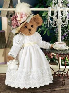 Product Detail - Lady Bearington