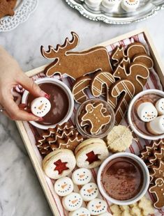 Mmmmmmmm lecker Kekse # X-Mas - Weihnachten - White Chocolate Christmas Feeling, Noel Christmas, Merry Little Christmas, Christmas Desserts, Holiday Treats, Christmas Treats, Christmas Baking, Winter Christmas, Christmas Cookies