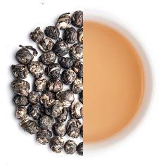 Der Organic Jasmintee Dragon Pearls (龍珠)ist der König unter den Jasmintees. Nur die feinsten und hochwertigsten jungen Grünteeblätter werden händisch geerntet und dann zusammen mit Jasminblüten mehrere Tage aromatisiert.Anschließend werden die Blätter in kunstvoller Arbeit wieder von den Jasminblüten getrennt und zu zarten Kugeln gerollt. Ein Tee der Drachenherzen... Teeherzen höher schlagen lässt! Organic, Tea, Pearls, Types Of Tea, Separate, Green Tee, Dragons, Beads, Teas