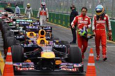 f1 Felipe Massa y Fernando Alonso conversando después de la Prueba de Clasificación para el Gran Premio de Australia ... Interesante la cola de autos ...
