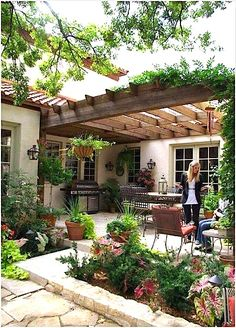 Pretty courtyard...
