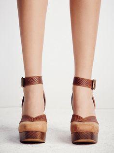 Show Stopper Platform Heel