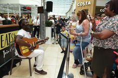 Reggae chef Levi Roots dishes up good eats to shoppers at the annual Eat Street event - Basingstoke Gazette