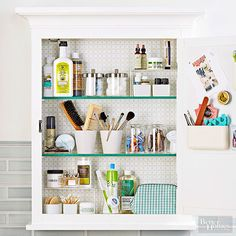 Line your medicine cabinet with decorative paper to bring a smile to your face each morning. Medicine Cabinet Organization, Bathroom Organization, Bathroom Storage, Organization Hacks, Organizing Tips, Organize Medicine, White Medicine Cabinet, Bathroom Medicine Cabinet Mirror, Organized Bathroom
