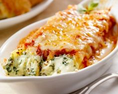 Cannelloni with spinach and ricotta Veggie Recipes, Pasta Recipes, Vegetarian Recipes, Cooking Recipes, Healthy Recipes, Portuguese Recipes, Italian Recipes, Salty Foods, No Cook Meals