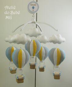 Ateliê do Bebê MG: Móbile Musical Balões e Nuvens ( Gael )