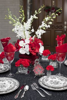 Red wedding table design