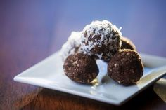 Slim-fit chocolate balls for Christmas - Weight Club-Slankevennlige sjokoladekuler til jul – Vektklubb Slim-fit chocolate balls for Christmas – Weight Club - Easy Cakes To Make, All Things Christmas, Christmas 2019, Winter Holidays, Healthy Desserts, Frosting, Clean Eating, Muffin, Easy Meals