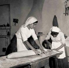 Dough process in Bari Sardo, Sardinia, Italy, by Marianne Sin-Pfältzer, 1950s