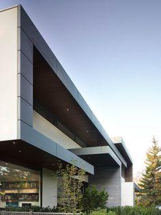 Impressive Modern Home in Toronto, Canada