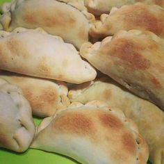 Calzone, Hand Pies, Quesadilla, Sweet And Salty, Appetizers For Party, Fresh Rolls, Hot Dog Buns, Crepes, Food And Drink