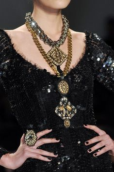 Naeem Khan Fall 2010 Details