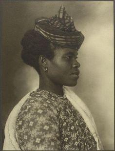 A Guadeloupean woman. Portraits from Ellis Island, Augustus Sherman.