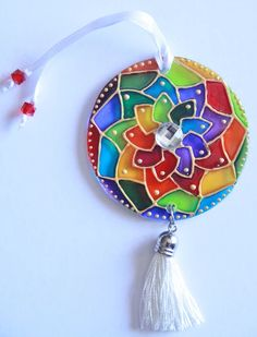 MANDALAS Cd Crafts, Crafts For Kids, Arts And Crafts, Diwali Craft, Stained Glass Paint, Cd Art, Indian Patterns, Painted Pots, Rangoli Designs