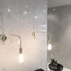 Se det här fotot av @4living på Instagram • 79 gilla-markeringar Interior Decorating, Interior Design, Cribs, Wall Lights, Mansions, Lighting, Instagram, Bathrooms, Home Decor