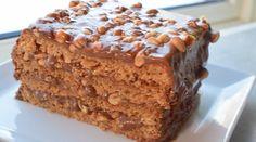 Snickerskake - noe av det beste jeg vet! | Gladkokken Food Cakes, Snickers Muffins, Cookie Recipes, Dessert Recipes, Norwegian Food, Pudding Desserts, Snacks, Let Them Eat Cake, Cheesecakes