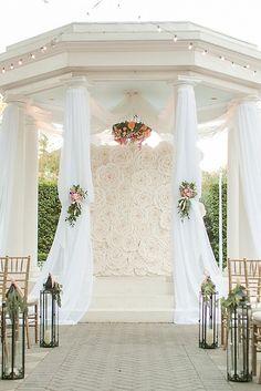 Gazebo Wedding Decorations, Wedding Gazebo, Wedding Arches, Perfect Wedding, Dream Wedding, Gazebos, White Roses Wedding, Indoor Wedding, Interior Exterior