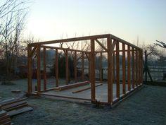 Budowa garażu drewnianego. Jak to zrobić ? Konstrukcja