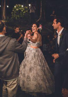 vintage-bridal-gown-blue-wedding-dress-backyard-inspiration17
