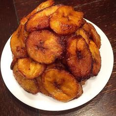 Let's just pause from work and take a moment to appreciate this Dodo. Dodo is Bae. Spotted on @welovenig  by @fannies_african_cuisine  #foodlover #africanfoodlover #africanfoodie #africanfood #dodo #friedplantain #dodolover #naijafood #naijafoodlover #naijafoodie #fried #eggs #needed #goodfood #foodlover #foodian #tgif