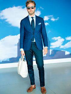 ブルーグラデのジャケスタには、茶のスエードタッセルが似合う! | メンズファッションの決定版 | MEN'S CLUB(メンズクラブ)