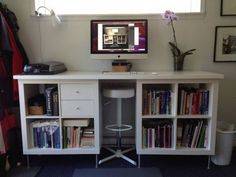 The IKEA Kallax series Storage furniture is an essential element of any home. They supply get and help you hold track. Fashionable and wonderfully simple the rack Kallax from Ikea , for example. Kallax Desk, Ikea Kallax Shelf, Ikea Kallax Hack, Ikea Desk, Ikea Shelves, Diy Desk, Shelving Units, Ikea Wall, Ikea Regal
