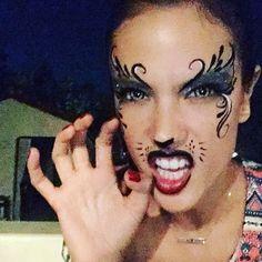 Pin for Later: Seht alle Halloween-Kostüme der Stars Alessandra Ambrosio als…