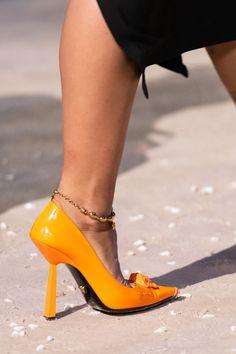 Latest Sneakers, Latest Shoes, Sneakers Fashion, Fashion Shoes, Vogue Paris, Donatella Versace, Cute Sandals, Spring Shoes, Mannequins