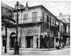Old Absinthe House, Bourbon Street, French Quarter of New Orleans, 1920s.  Source: New Orleans Public Library