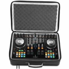 FUNDA / FLIGHT CASE PARA EQUIPO DJ UDG URBANITE MIDI CONTROLLER FLIGHTBAG MEDIUM BLACK