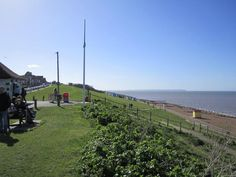Holiday House in Whitstable, Tankerton with beach/lake nearby and TV