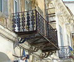 1880s cast iron balcony, Bucharest