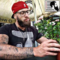 #BeardOfTheDay For Thursday 17th May 2018 is this #beard photo sent into #BeardCode @grafwolf88! #beards #bearded #barber #menshair #menstyle #mensfashion #bilf #viking #tattoo #baseballcap
