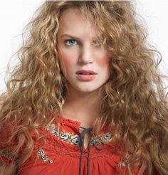 Curls, curly hair