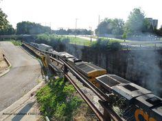 CSX Train coming through Decatur, AL