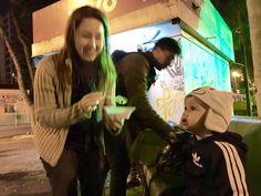 Através de um projeto missionário do Ministério Jovem e da Ação Solidária Adventista, temos a chance de testemunhar de Jesus para moradores de rua e demais pessoas que passam pela praça central de Nova Odessa, com um sopão oferecido pela Igreja Adventista do Sétimo Dia. Confira algumas fotos desse lindo trabalho realizado por jovens de todas as idades. Fotos tiradas em 11/07/2015.
