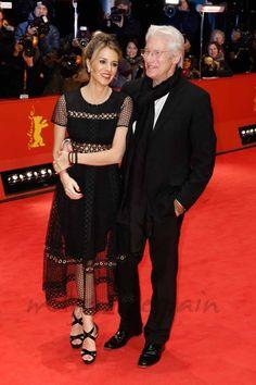 """Richard Gere ha presentado su última película, """"The Dinner"""" – """"La Cena""""-, en la Berlinale, acompañado de su novia, Alejandra Silva."""
