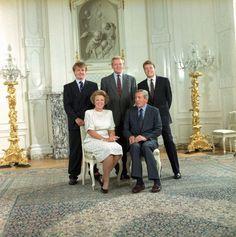 Statie foto van: Koningin Beatrix- Prins Claus-Prins Friso-Kroonprins Willem- Alexander en Prins Constantijn (NL)