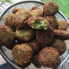 Enkelt recept på falafel! – Dagensmatochbak Cheap Meals, Cheap Food, Sprouts, Snacks, Vegan, Vegetables, Cooking, Ethnic Recipes, Sweden